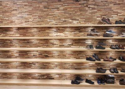 Wandplanken schoenenwinkel Voorschoten2