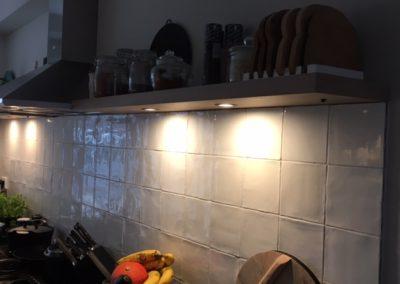 Zwevende wandplank eiken fineer met LED spots4